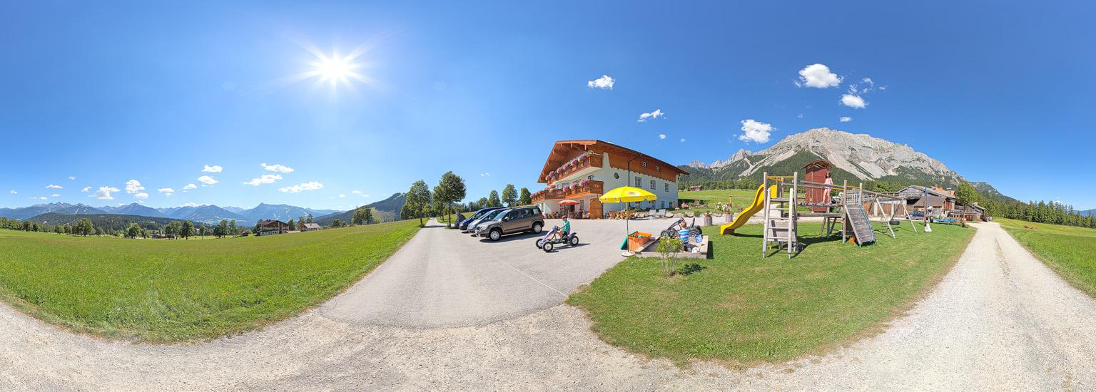 360 Grad Rundgang durch den Pernerhof